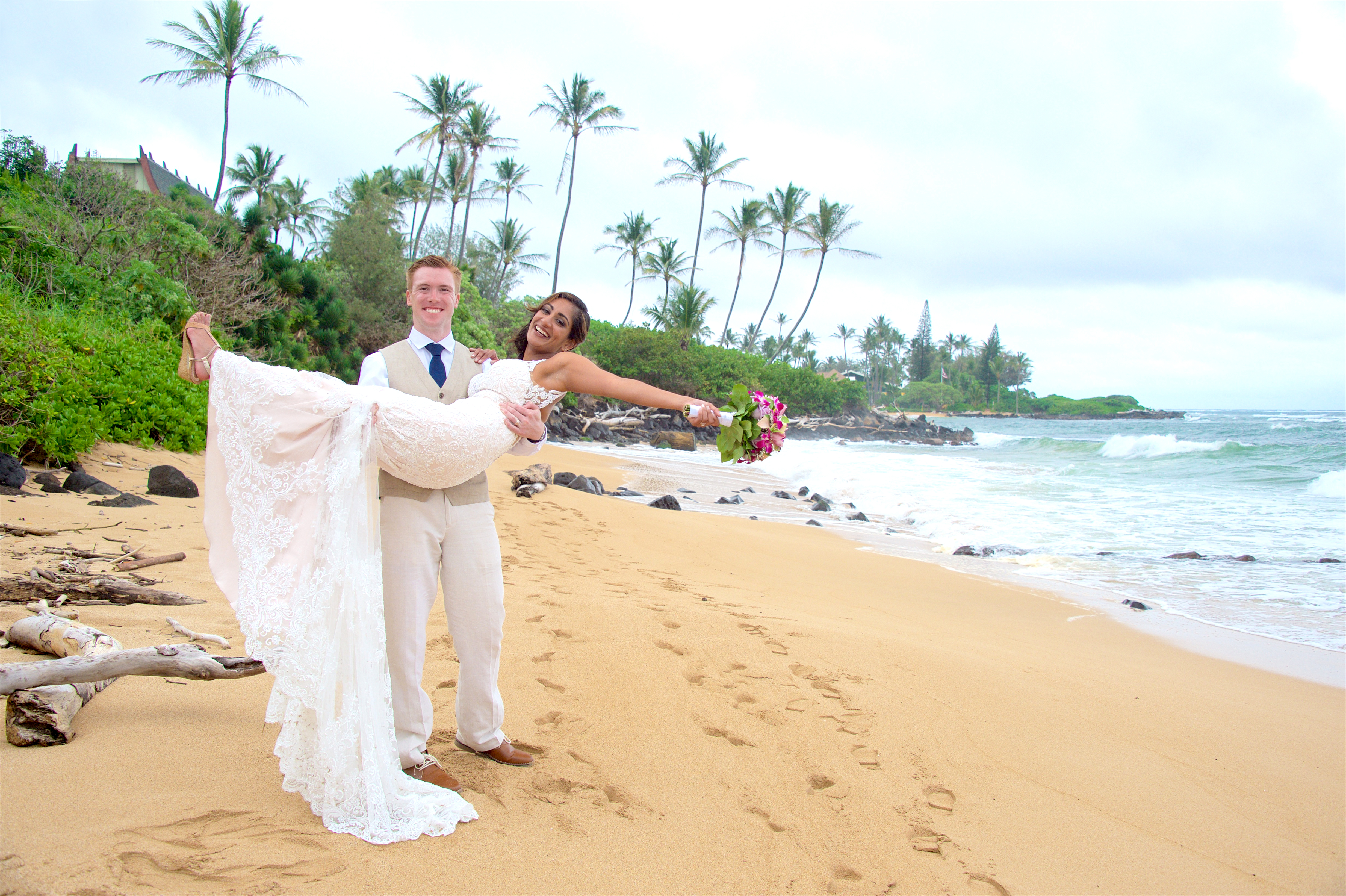 Wedding at Wailua beach.