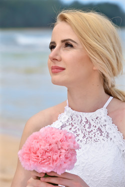 Wedding at Tunnels beach.