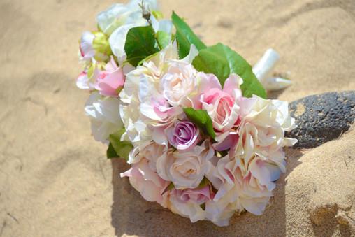 Beautiful Bouquet #1LG (pink & white)