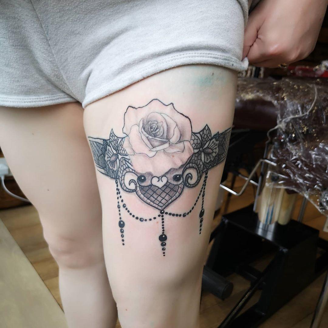 Garter_tattoo