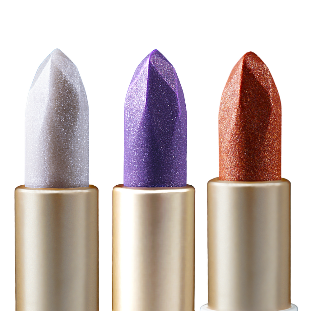 The Rare Stone Collection is a shimmer lip balm and highlighter set of 3 including the Amethyst balm, Diamond balm, and Copper X balm.  These simple formulas protect the lips with nutritious oils and creamy butters. Use shimmer balms on your lips, and highlighting areas for a glow!  Diamond Shimmer Balm & Highlight: 0.64 fl oz/19 ml  Amethyst Shimmer Balm & Highlight: 0.64 fl oz/19 ml  Copper X Shimmer Balm & Highlight: 0.64 fl oz/19 ml