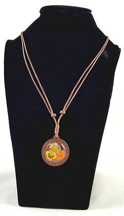Halskette - aus Holz mit Stiefmütterchen