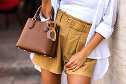 Street style fashion details, tanned wom