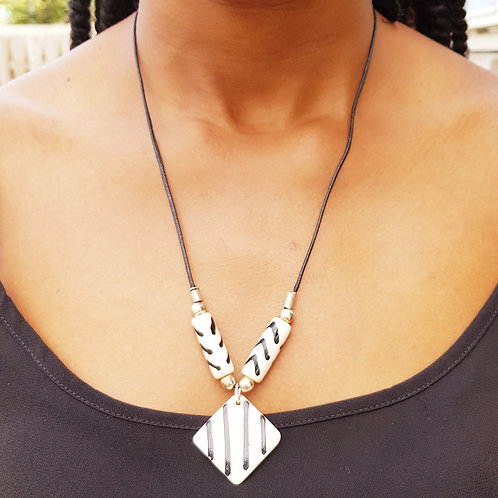 African Fashion Quetsi Bone Necklace