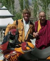 Emerson-e-SS-Dalai-Lama.jpg