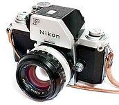 nikon-2203221_640r.jpg