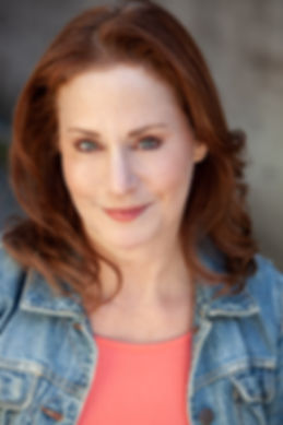 Julie2019-3.jpg