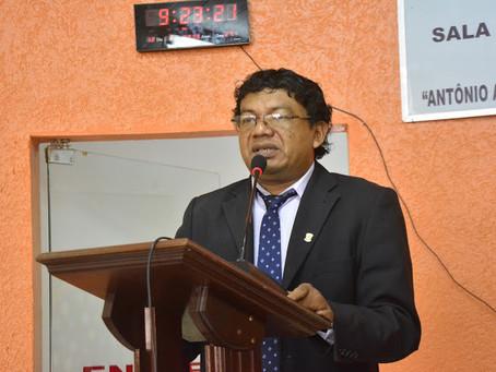 Vereador Nasso Kaxinawá usa a tribuna da Câmara para falar de suas agendas