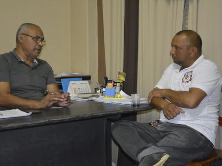 Presidente da câmara Raquel de Sousa visita o Secretário de Educação Orlando