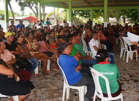 Vereadores participam de Assembleia em apoio a Classe da Educação