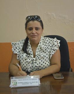 Vereadora Veinha pede serviço de tapa buraco na rua Paulo Lins de Albuquerque