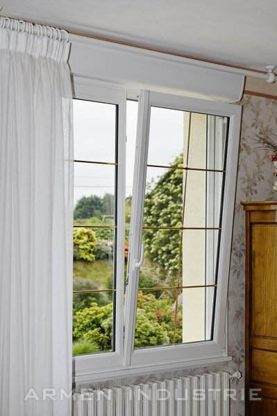 Fenêtre 2 vantaux oscillo battant