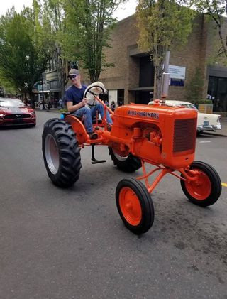 tractor cruising.jpg