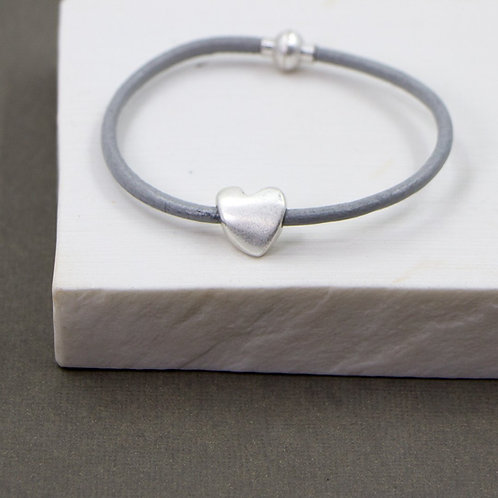 Leather bracelet with magnetic clasp and silver heart