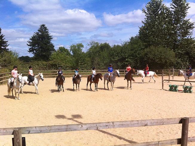 BOUGER Equitation.JPG