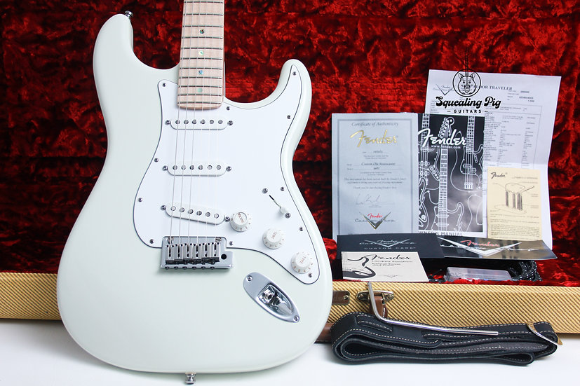 "FENDER USA Custom Shop Deluxe Stratocaster "" Olympic White + Maple"" (2013)"