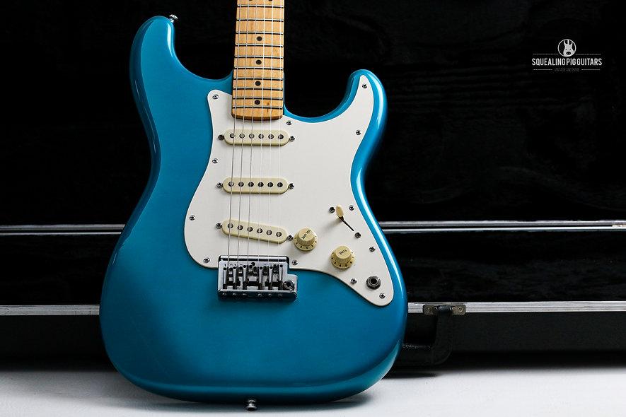 "FENDER USA Standard Stratocaster "" Candy Apple Blue + Maple"" (1983)."