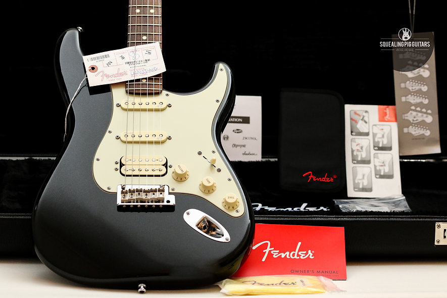 "FENDER USA Stratocaster Deluxe Plus HSS "" Mystic Black + Maple"" (2014)."