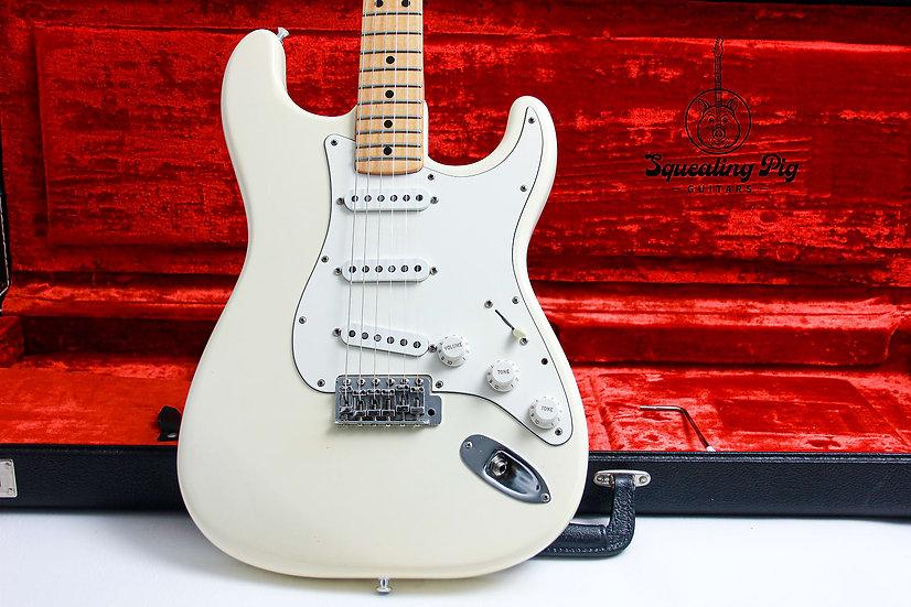 "FENDER USA Vintage Standard Stratocaster ""Olympic white + Maple"" (1979)."