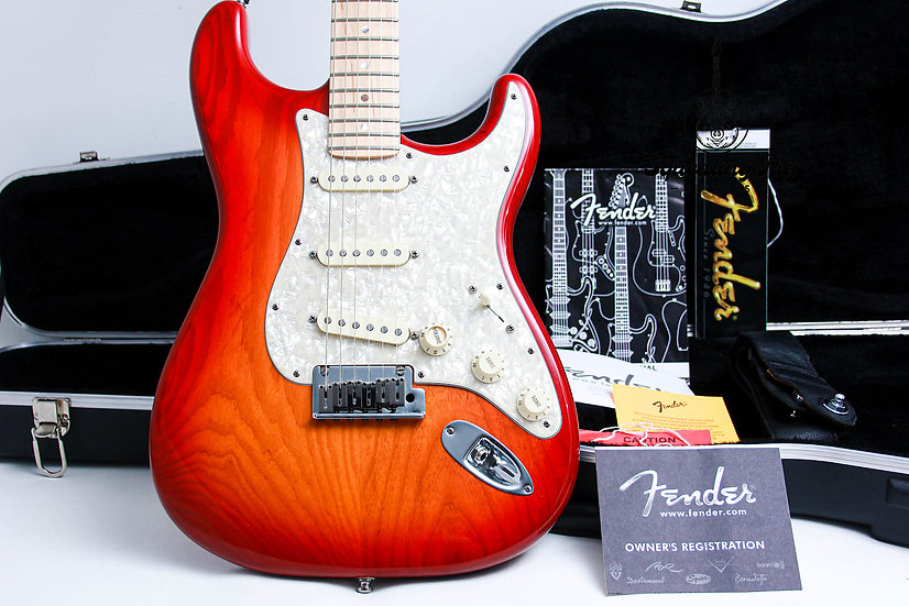 """FENDER USA Deluxe S1 Ash Stratocaster """" Sienna Burst + Maple"""" (2008)."""