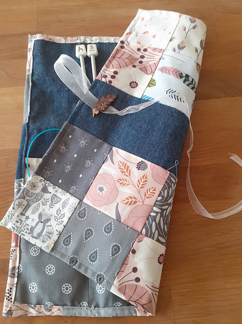 Patchwork Knitting Needle Roll - Dusky Pink 01