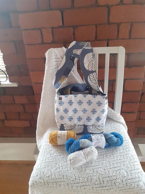 Versatile - Blue & White tile / Blue Chickens