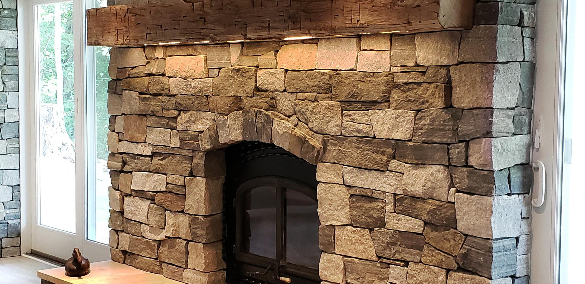 50% Bristol Ledge Stone 50% Misquite Ledge Stone
