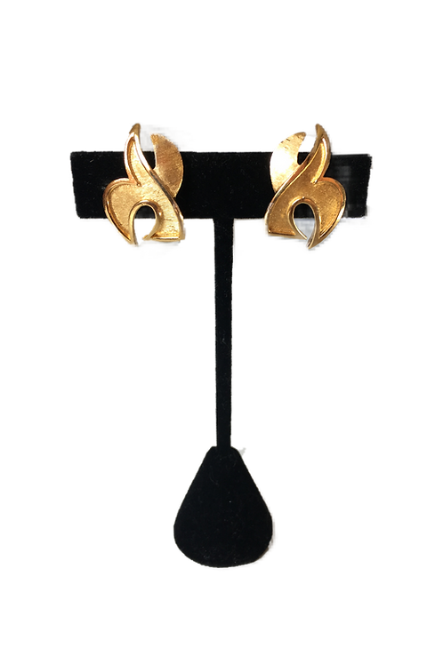Smart Brushed Goldtone Trifari Clip On Earrings