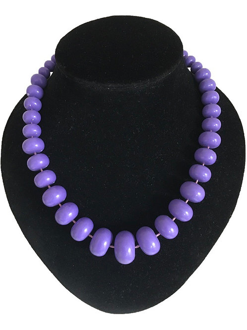 Classic 1980s Purple Plastic Bead Necklace