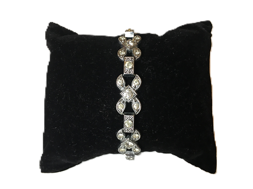 Effortlessly Elegant Early Deco Diamanté Link Bracelet