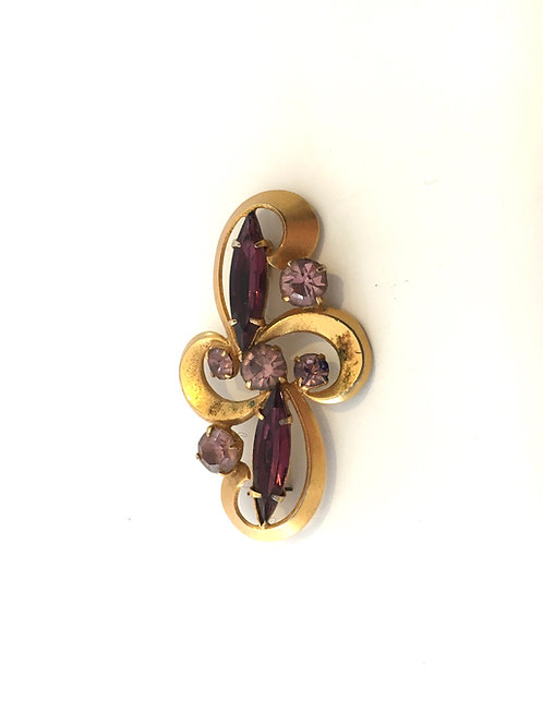 Elegant Gilt Metal Quatrefoil Oblong Brooch with Purple and Amethyst Paste Stone