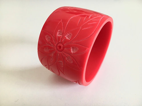 Mid Century Carved Catalin Scarlet Bangle
