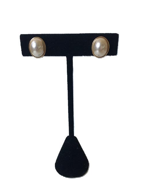 Cute Mid-Century Faux Pearl Clip On Earrings