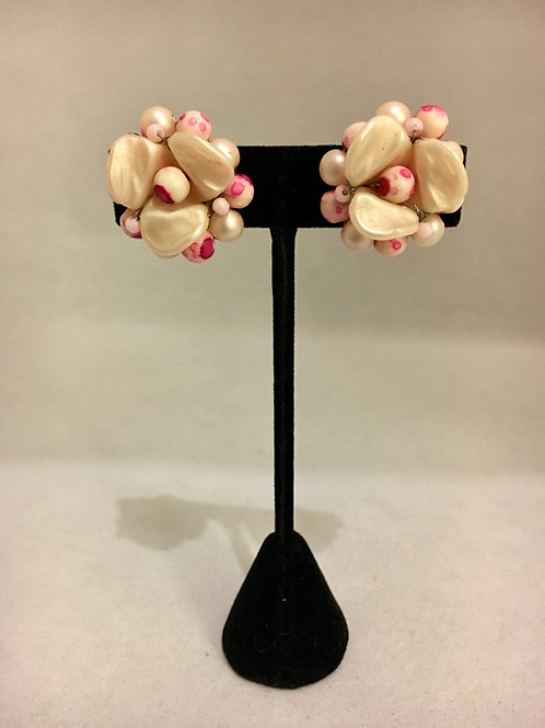 Pink and Ivory Beaded 1950s Cluster Clip On Earrings