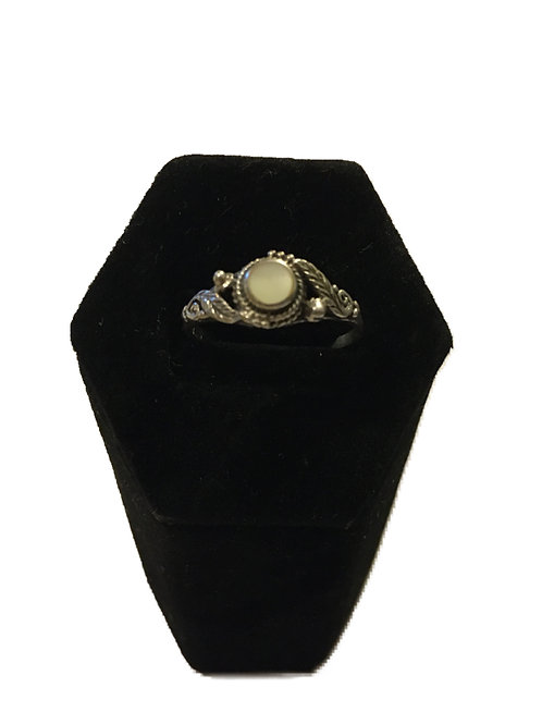Hallmarked 925 Silver With Ornate Mother of Pearl Centre