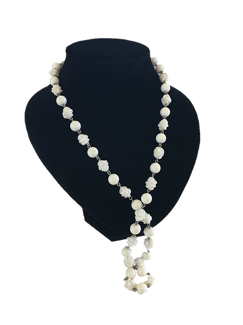 1950s / 60s Sarah Coventry White Beaded Necklace