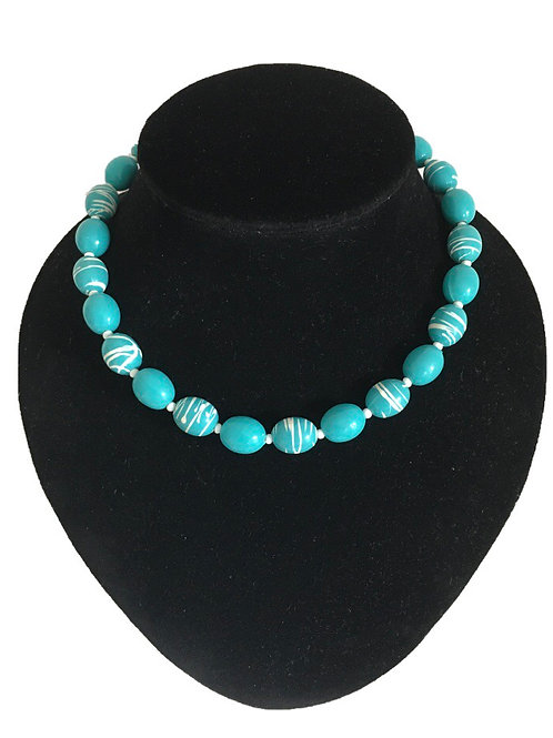 Bright and Funky 1980s Turquoise Coloured Plastic Bead Necklace