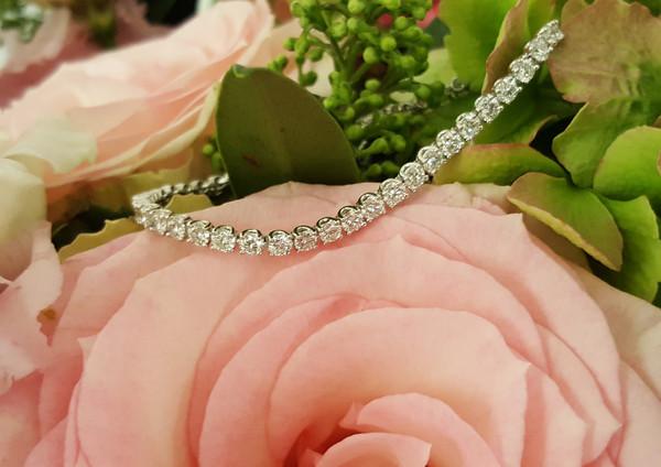 capet-joaillier-bracelet-or-diamants.jpg