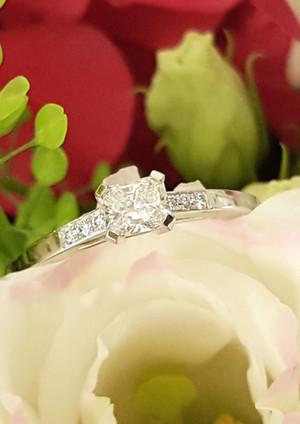 capet-joaillier-bague-or-diamants-paris.