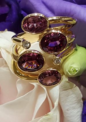 capet-joaillier-bague-or-diamants-grenats.jpg