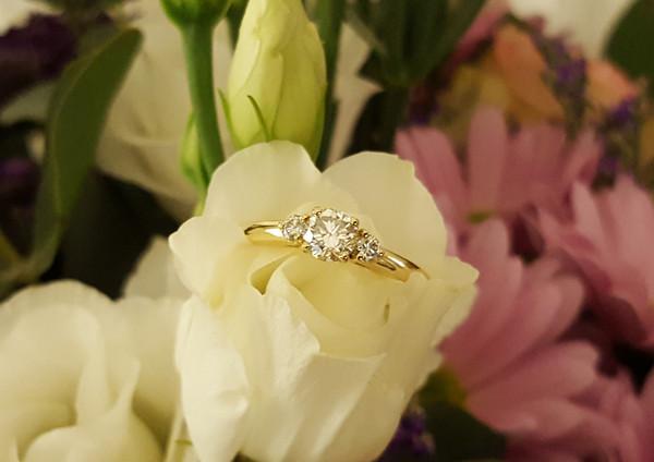 capet-joaillier-bague-or-jaune-diamants.jpg