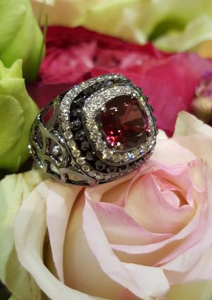 capet-joaillier-bague-or-diamants-grenat.jpg