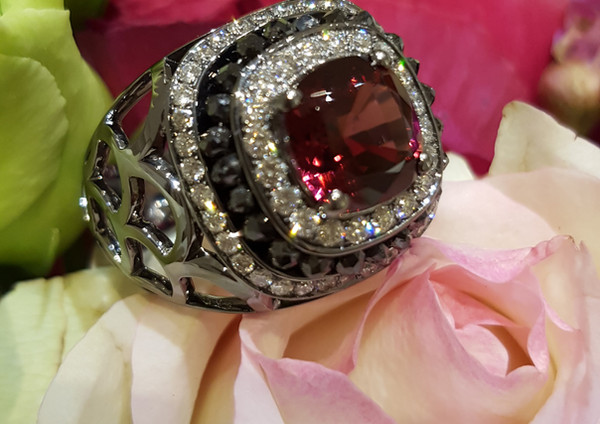 capet-joaillier-bague-or-diamants-grenat.jpg