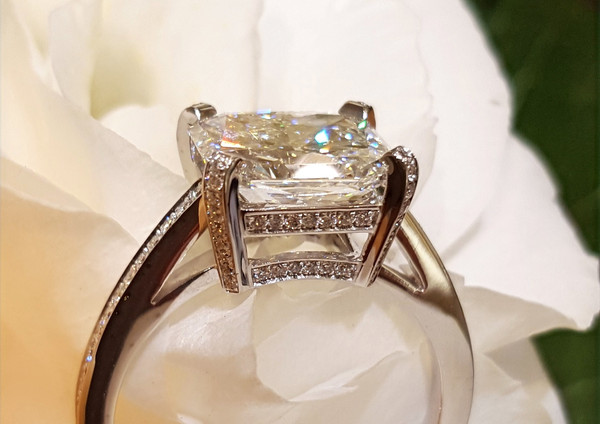 capet-joaillier-bague diamants-or.jpg