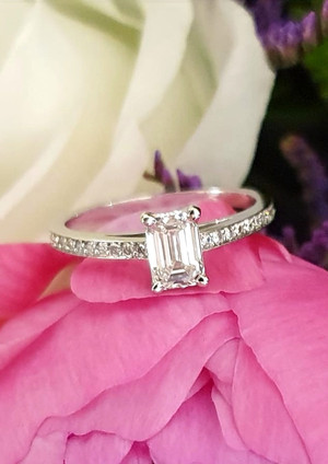 capet-joaillier-19658-bague-or-diamants.