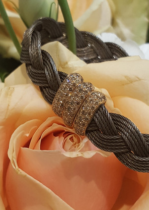 capet-joaillier-bracelet-or-acier-diamants.jpg