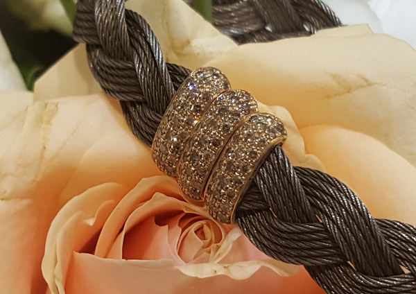 capet-joaillier-bracelet-or-acier-diamants.jpg