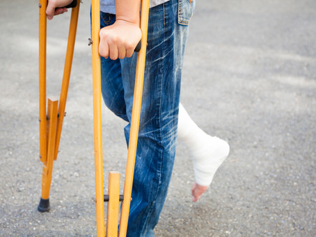 The Top 10 Worst Things About Crutches