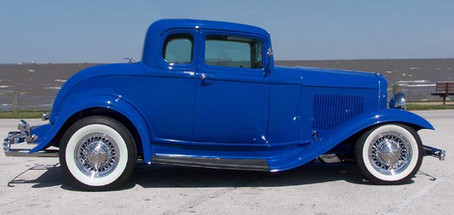 1932 Blue Ford Hot Rod with Truespoke 52 Hot Rod wire wheels