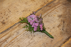 Detalle floral masculino